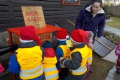 Ønskekasse; alle barna kunne legge et ønske i kassen