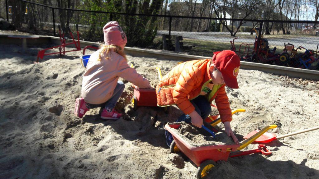 Lek og læring i Blåveiskroken